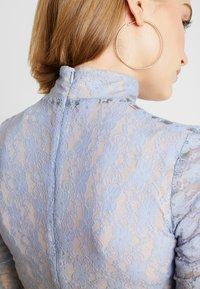 House of Holland - MUTED MINI DRESS - Shift dress - blue/khaki - 4