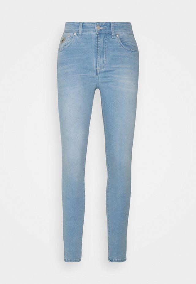 CELIA - Jeans Skinny Fit - light stone