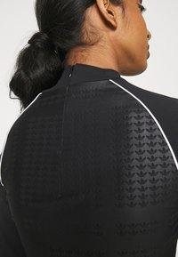 adidas Originals - BODY - Maglietta a manica lunga - black - 3