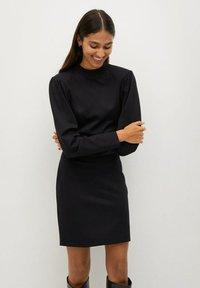 Mango - DERIBES - Etui-jurk - zwart - 0