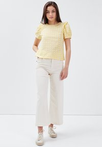 BONOBO Jeans - Blusa - jaune clair - 1