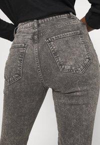 New Look Petite - ACID MOM SANT - Džíny Slim Fit - dark grey - 5