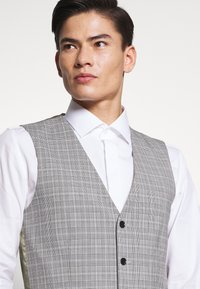 Esprit Collection - PRINCE CHECK - Gilet elegante - light grey