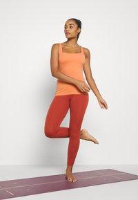 Nike Performance - THE YOGA LUXE TANK - Top - healing orange/apricot agate - 1