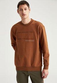 DeFacto - OVERSIZED - Sweatshirt - brown - 3
