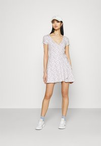 Hollister Co. - DRESS - Jerseykjole - white - 1