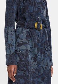Desigual - VEST MONTSE - Sukienka jeansowa - blue - 3