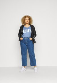 Levi's® Plus - VARSITY TEE - T-shirt con stampa - blue - 1