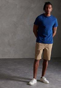 Superdry - Shorts - grain khaki - 1