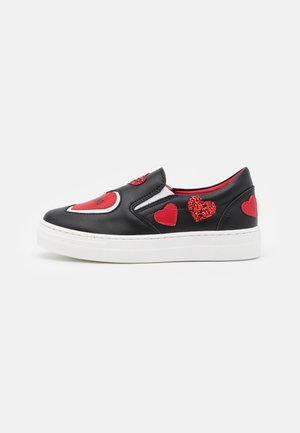 EXCLUSIVE TRAINER UNISEX - Nazouvací boty - black/red