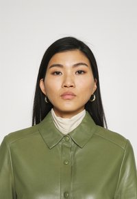 Oakwood - INDIANA - Sukienka koszulowa - dark green - 3
