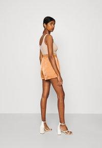 Fashion Union - TUSCANY - Shorts - apricot - 3