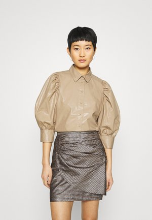 LAMOUR  - Button-down blouse - sepia tint