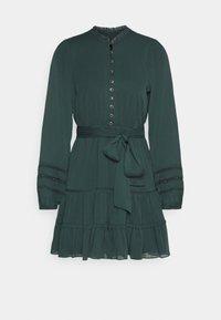 Forever New Petite - RHIANNA BLOUSON SLEEVE SKATER DRESS - Shirt dress - forest green - 0