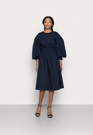 VMAPRIL CALF DRESS - Korte jurk - navy