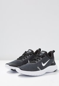 Nike Performance - FLEX EXPERIENCE RN 8 - Paljasjalkajuoksukengät - black/white/cool grey/reflect silver - 2