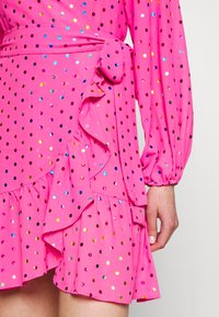 Never Fully Dressed - RAINBOW SPOT MINI DRESS - Denní šaty - pink - 5