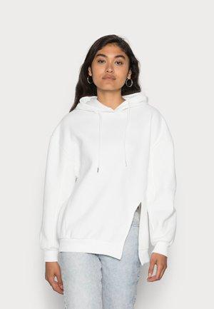 KIANA SPLIT OVERSIZE HOODIE - Sweatshirt - white