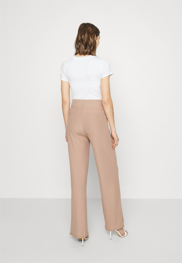 WIDE POCKET PANTS - Kangashousut - beige