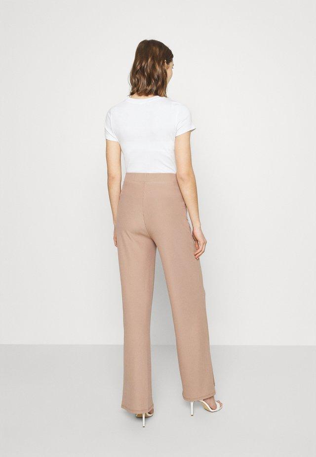 WIDE POCKET PANTS - Pantaloni - beige