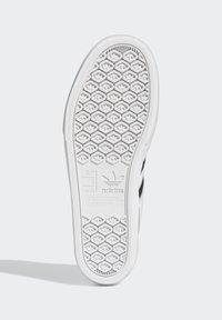 adidas Originals - DELPALA SHOES - Sneakers basse -  white - 3