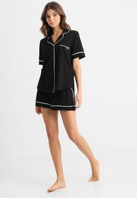 DKNY Intimates - TOP BOXER PJ - Pyjama set - black - 0