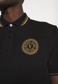 Versace Jeans Couture - PLAIN  - Polo shirt - black/gold - 4