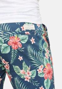 Colours & Sons - ELON - Shorts - blue - 3