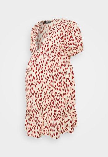 MATERNITY V NECK LEOPARD SMOCK DRESS - Sukienka z dżerseju - multi