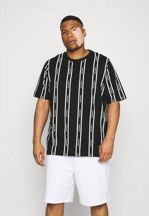 VERTICAL LOGO STRIPE - Print T-shirt - black