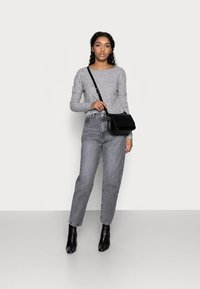 Dr.Denim Petite - NORA  - Relaxed fit jeans - washed grey - 1
