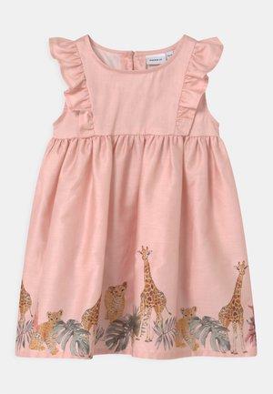 NMFJUNGLE  - Cocktail dress / Party dress - peach whip