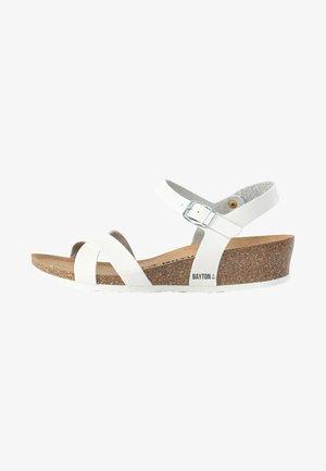 CANBERRA  - Sandalen met sleehak - white