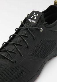 Haglöfs - L.I.M LOW - Trail running shoes - true black - 5