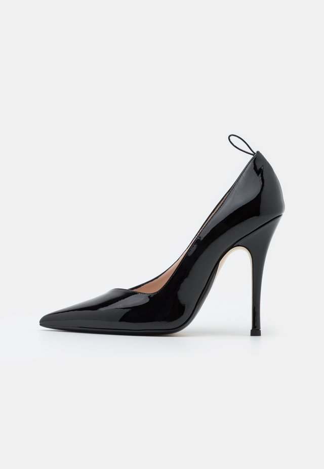 EXCLUSIVE  - Classic heels - black