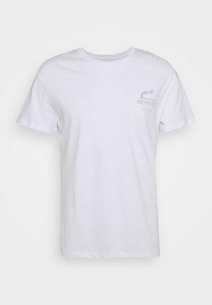 JORNONVIOLENCE TEE CREW NECK - Print T-shirt - white