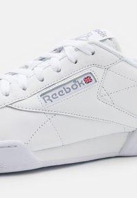 Reebok Classic - NPC UK II UNISEX - Zapatillas - white/grey - 5