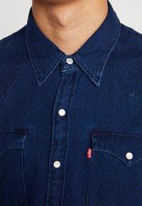 Levi's® - BARSTOW WESTERN - Košile - indigo - 5