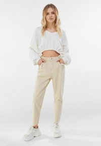 Bershka - Straight leg jeans - beige - 1
