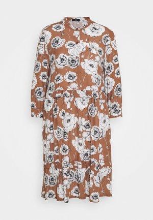Day dress - castagna