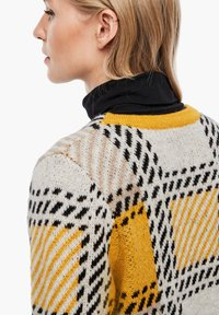 s.Oliver - Cardigan - yellow check - 4