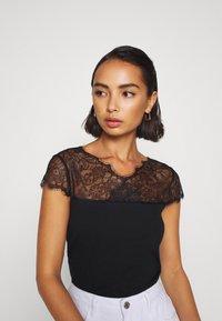 Anna Field Petite - Print T-shirt - black - 3
