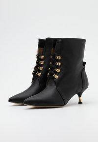 L37 - BULLETPROOF PLUS - Lace-up ankle boots - black - 2