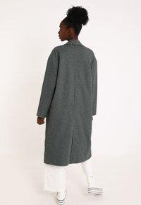 Pimkie - Klasický kabát - grau - 2