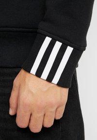 adidas Originals - R.Y.V. CREW LONG SLEEVE PULLOVER - Bluza - black - 6