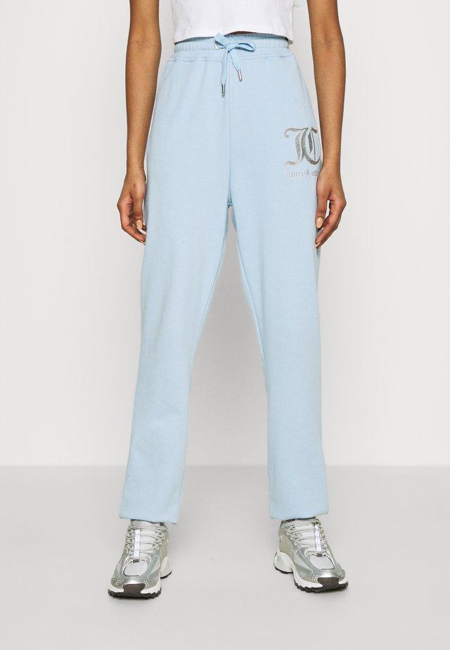 SOVEREIGN - Pantalon de survêtement - powder blue