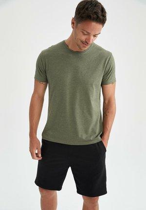 REGULAR FIT  BASIC  - Basic T-shirt - khaki