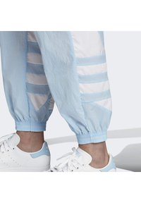 adidas Originals - 2020-02-15 BIG LOGO TRACKSUIT BOTTOMS - Tracksuit bottoms - blue - 4