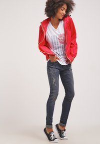 K-Way - LE VRAI CLAUDETTE - Waterproof jacket - red - 1