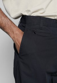 Carhartt WIP - MEMPHIS PANT MOSQUERO - Chinot - black - 3